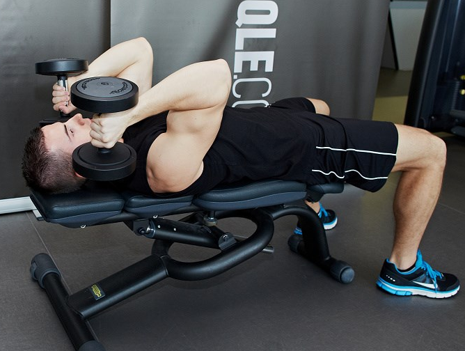 The Dumbbell Lying Triceps Extension Strikes a Balance Between Both Arms