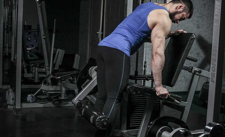 How to Do Standing Leg Curls