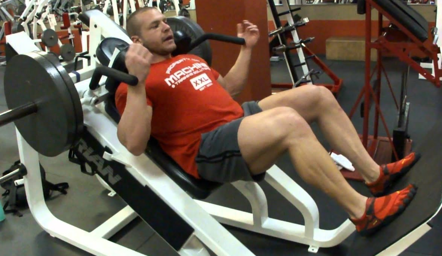 How to execute a hack squat