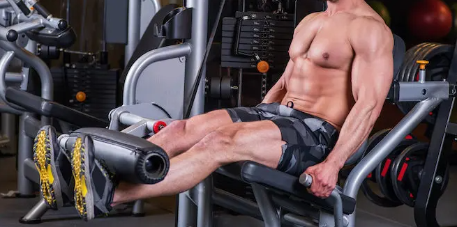 The leg extension exercise aims at strengthening the quadriceps, in front of your upper legs.
